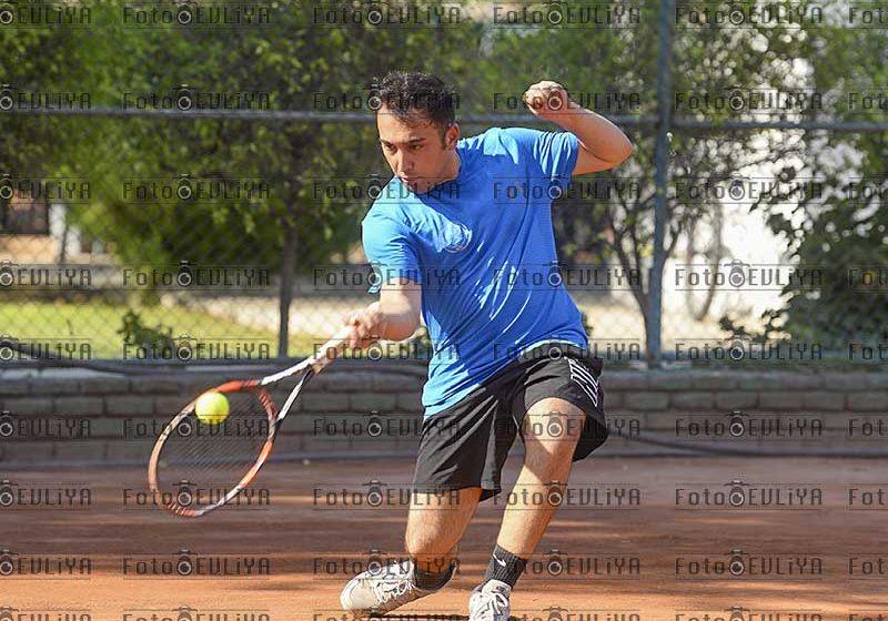 Nicosia Motor Tenis Ligi (Yarı Final 1.Maçları)